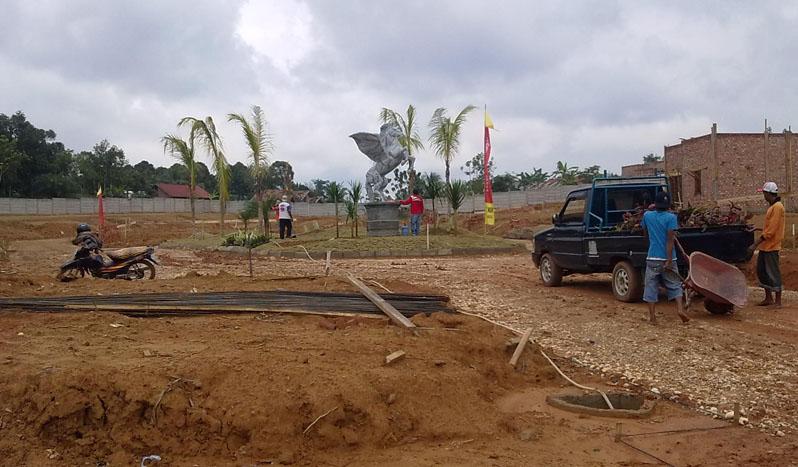Proses pembangunan taman dan rumah contoh