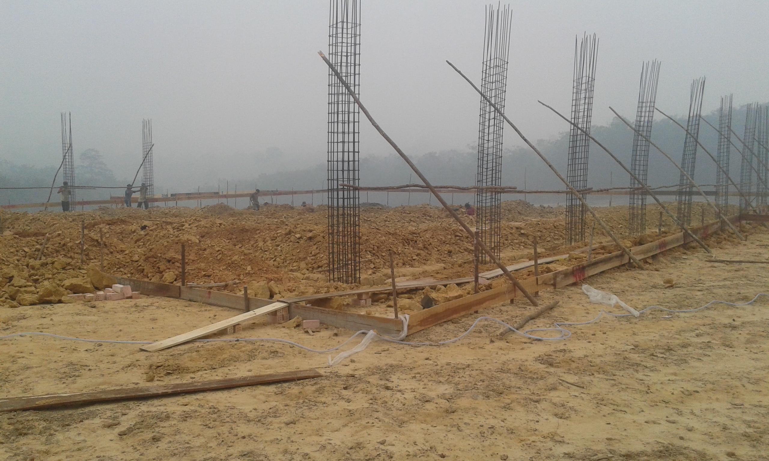 Progress pekerjaan pondasi masjid Al Lathif