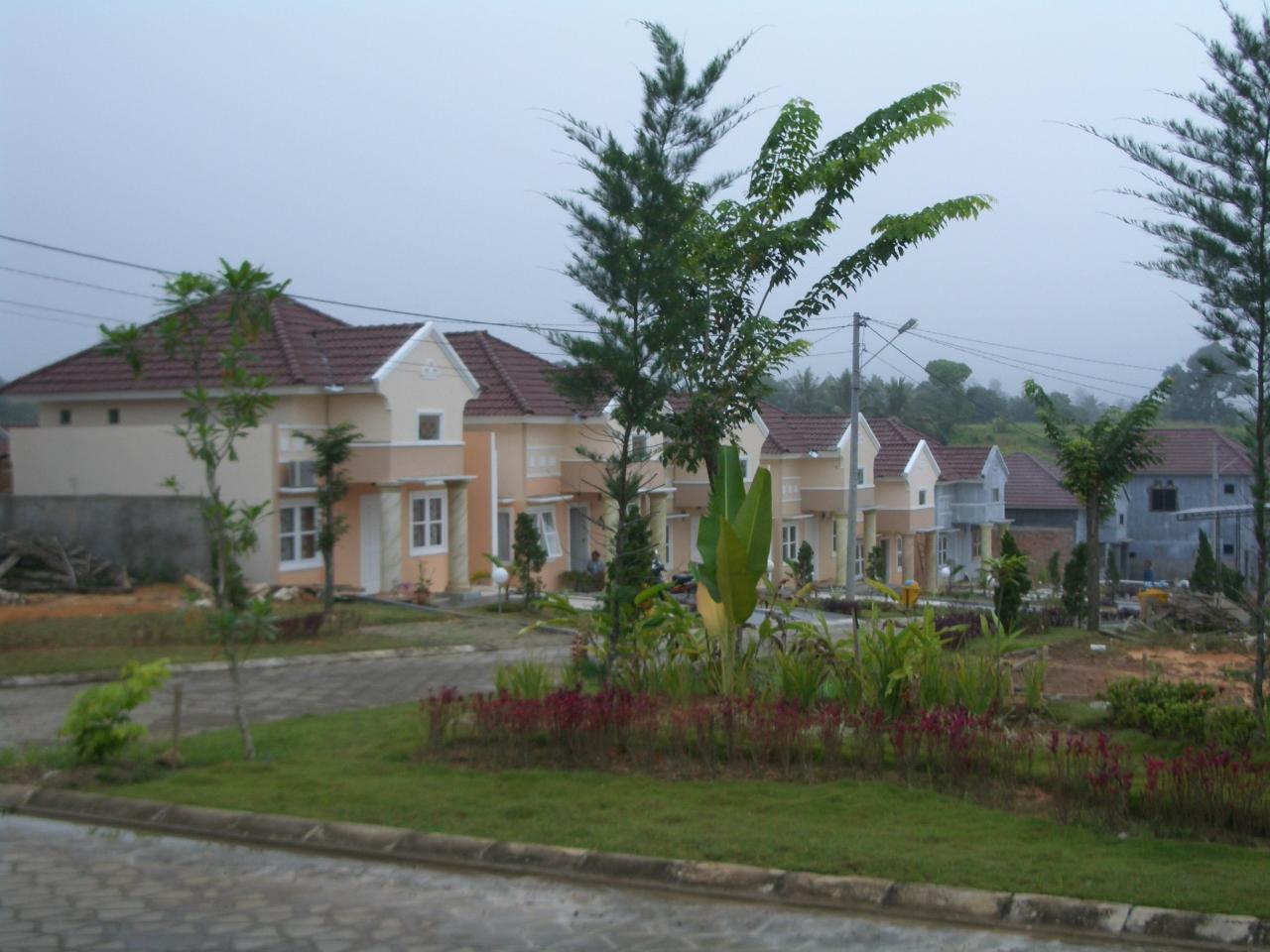 Suasana Lingkungan Villa Gading Mayang