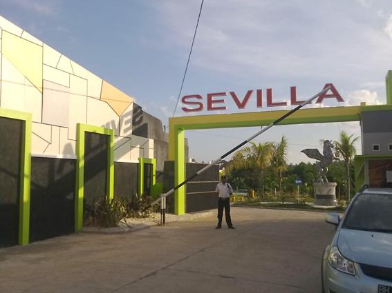 Profil minimalis di Gerbang Sevilla