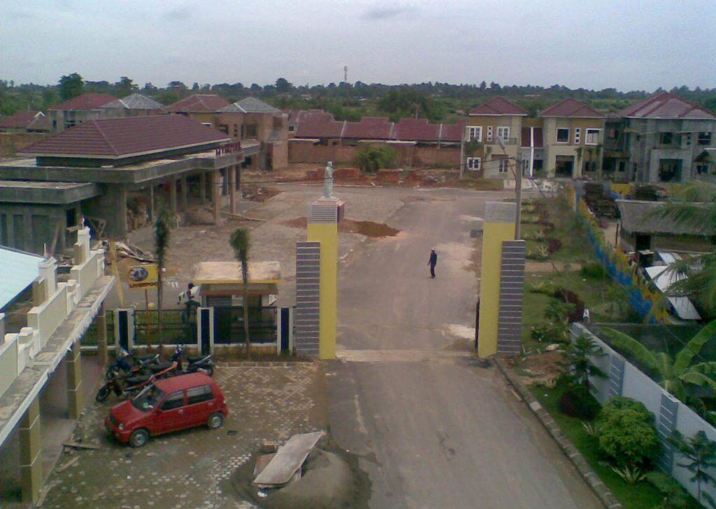 Proses pembangunan Gerbang, Kolam Renang dan unit rumah - 2009