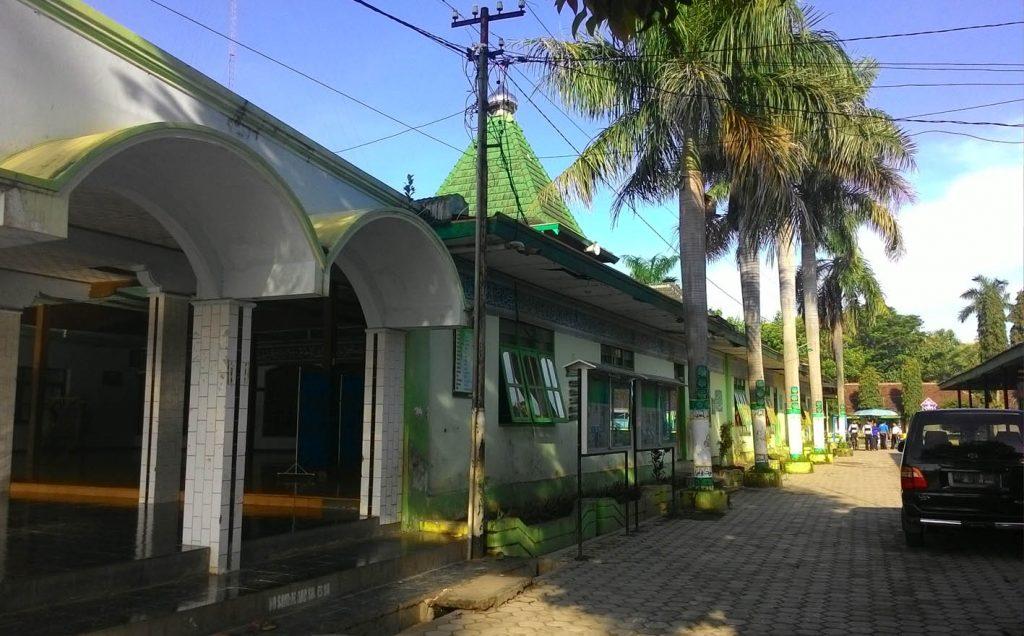 Foto Eksisting Tampak Samping Masjid saat ini