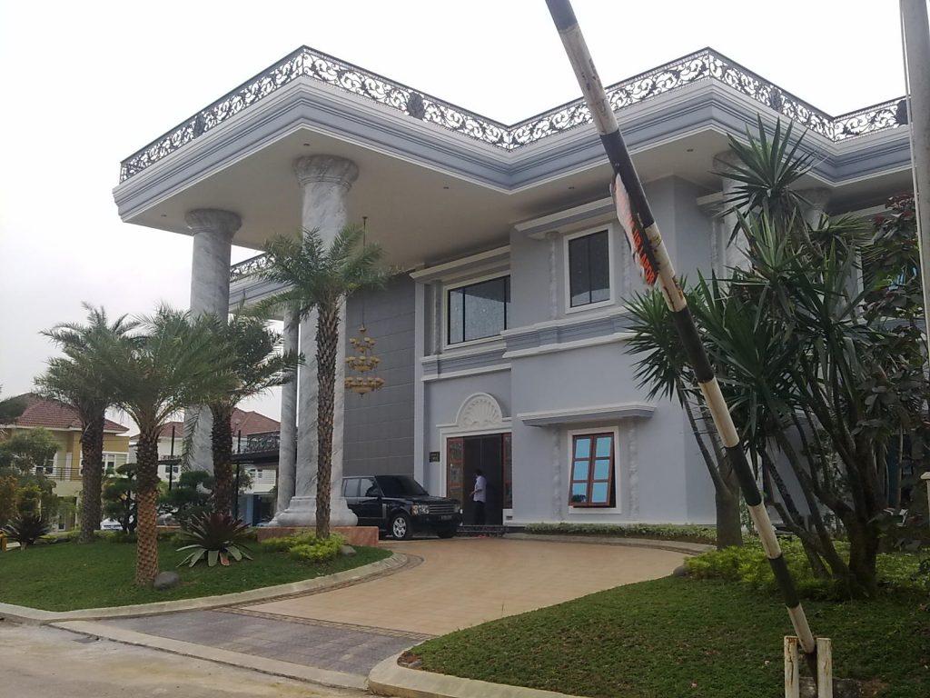 Progress 100%. Rumah Mewah Desain Klasik Mediteran