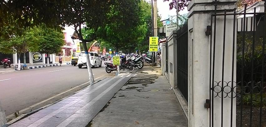 Kondisi Jalan Raya dr. Soetomo