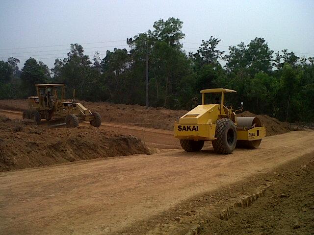 Proses pekerjaan pembuatan jalan lingkungan