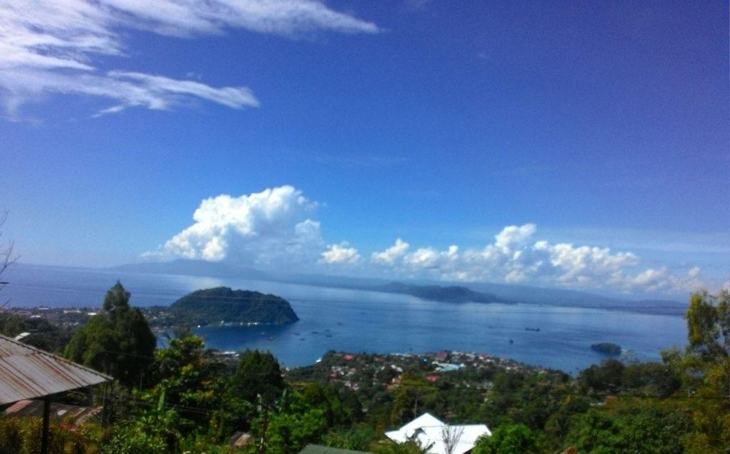 Lahan eksisting memiliki view yang memukau. Berada di atas bukit dengan pemandangan ke laut lepas Samudera Pasific
