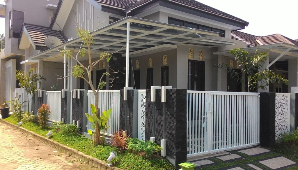 Pekerjaan Taman, carport, pagar dan canopy oleh Multi Desain Arsitek